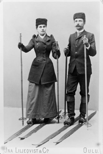 Portrait of the young Ståhlberg and his fiancé Hedvig Wåhlberg. 