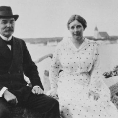 The presidential couple at Kultaranta in summer 1920 after their wedding. <em>National Board of Antiquities, Historical Picture Collection</em>
