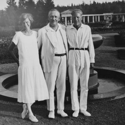 President Relander with his daughter Maja-Lisa and son Ragnar at Kultaranta. <em>National Board of Antiquities, Historical Picture Collection</em>