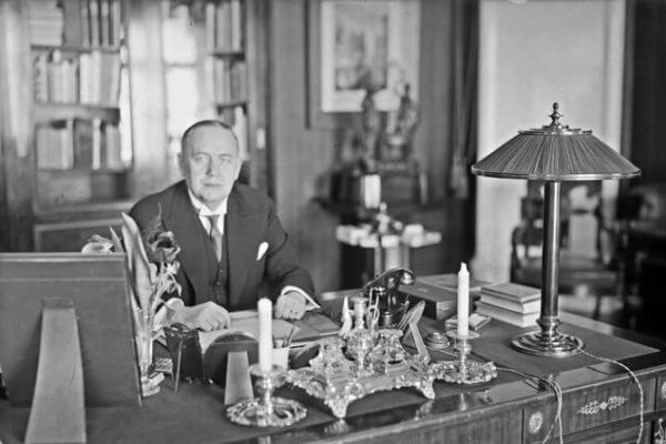 Relander at his desk at the Presidential Palace. <em>Pietinen, 1931. National Board of Antiquities, Historical Picture Collection</em>