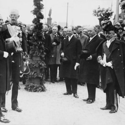 King Gustaf V greets President Relander on his visit to Stockholm. <em>19 June 1925, Stockholm. National Board of Antiquities, Historical Picture Collection</em>