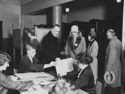 President and Mrs Relander voting in the electoral college elections on 15 January 1931. <em>Pietinen,1931. National Board of Antiquities, Historical Picture Collection</em>