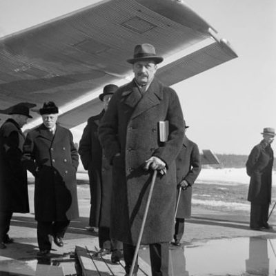 Mannerheim returning from a trip to India and India to 1937. <em>Unkown photographer, Helsinki 2 April 1937. Finnish Museum of Photography/Alma Media/Uusi Suomi Collection</em>