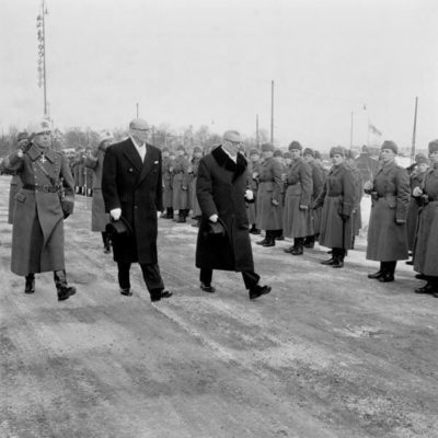J.K. Paasikivi and the newly incumbent President Urho Kekkonen departing from Parliament House on 1 March 1956 on the day of a general strike. <em>Unknown photographer, Helsinki 1 March 1956. Finnish Museum of Photography/Alma Media/Uusi Suomi Collection</em>