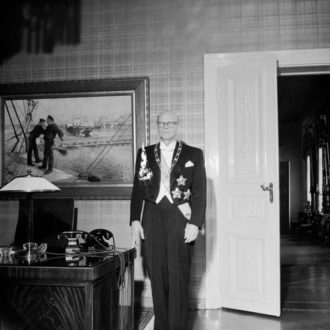 The newly incumbent President Urho Kekkonen at the Presidential Palace on 1 March 1956. <em>Unknown photographer, Helsinki 1956. Finnish Museum of Photography/Alma Media/Uusi Suomi Collection</em>